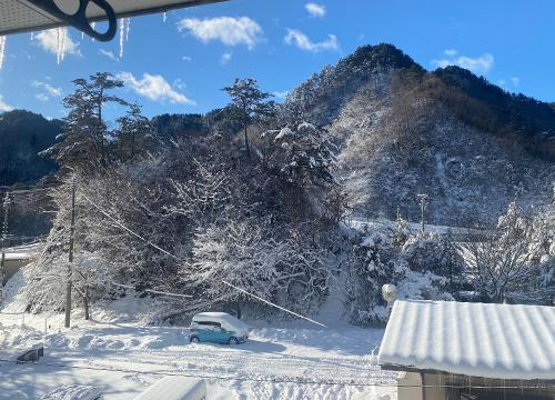 雪の後の青天